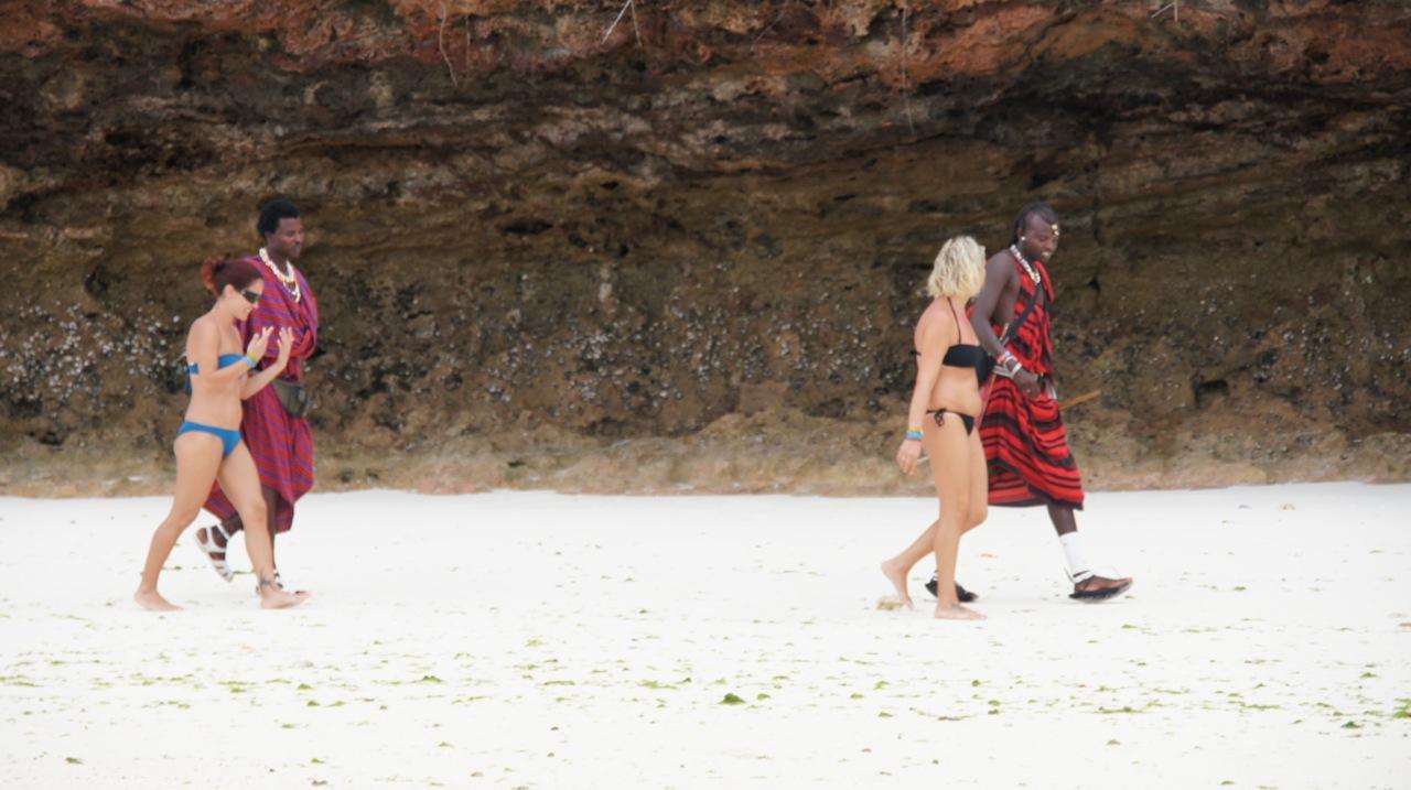 Documentário relata turismo sexual no Brasil Brasil de