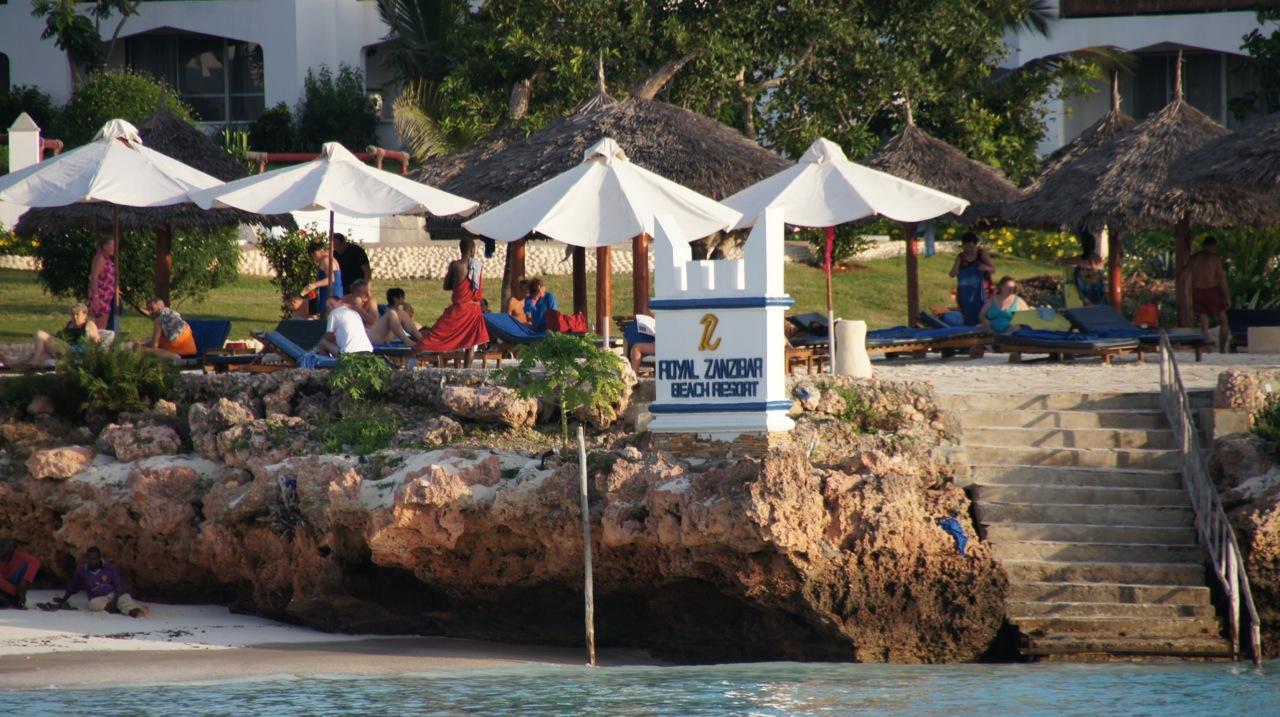 Praia meninos kenia turismo sexual feminino